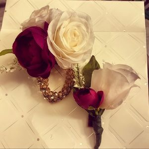 Custom boutonnières and corsages
